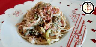 Pasta con broccoli tonno e pomodoro