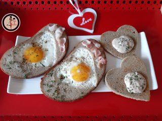 Pane con uova e pancetta