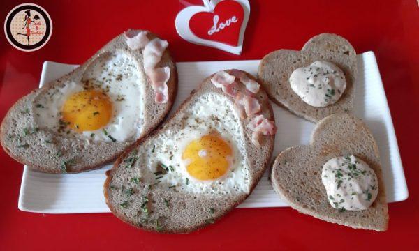 Pane con uova e pancetta – Colazione completa