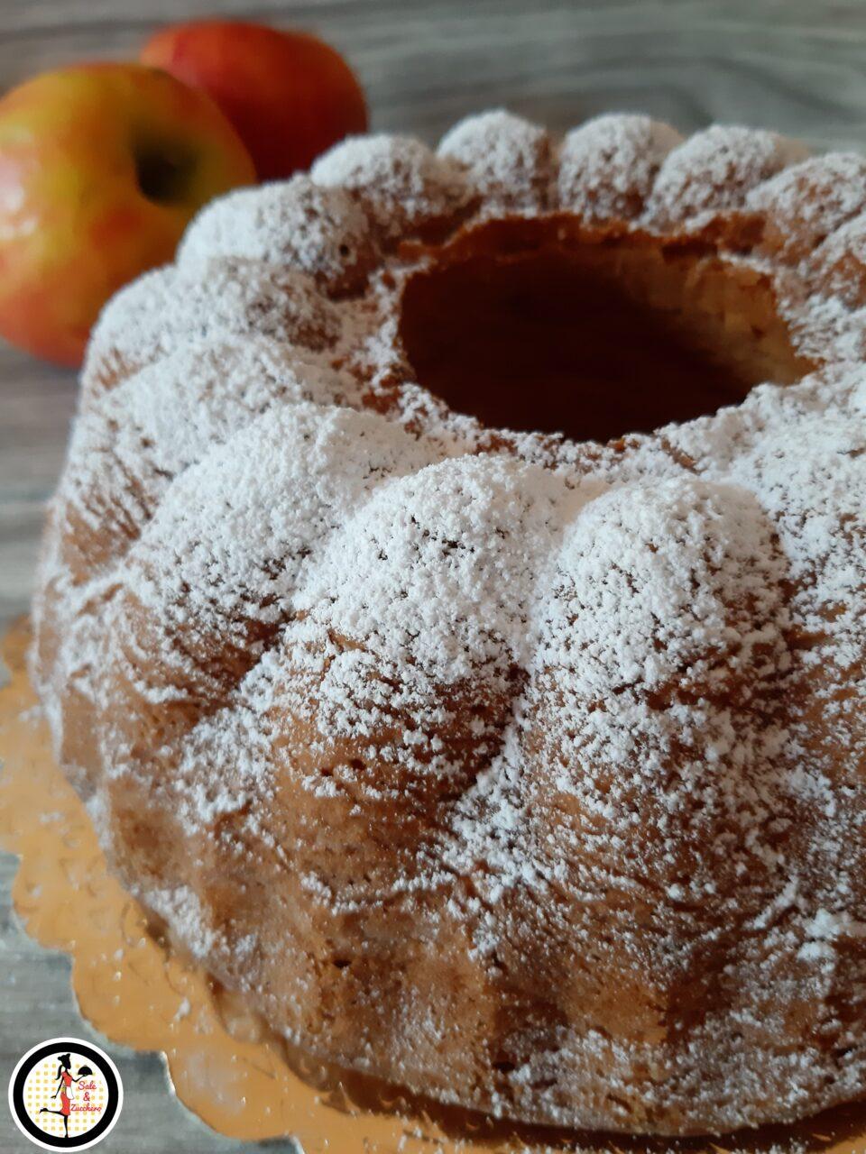 Ciambella alle mele con panna