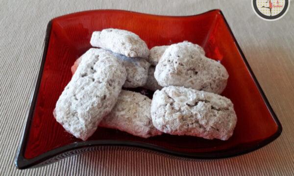 Biscotti alle noci e zucchero a velo – Ricetta facile