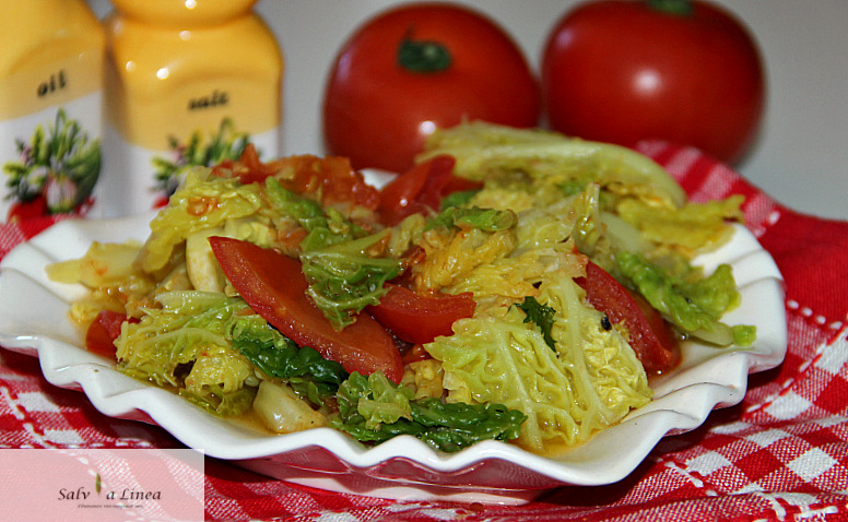 Verza al pomodoro (120 calorie a porzione)