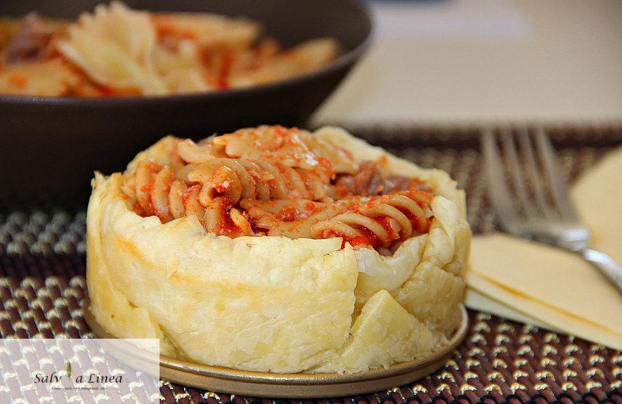 Tortina di pasta al sugo (405 calorie a porzione)