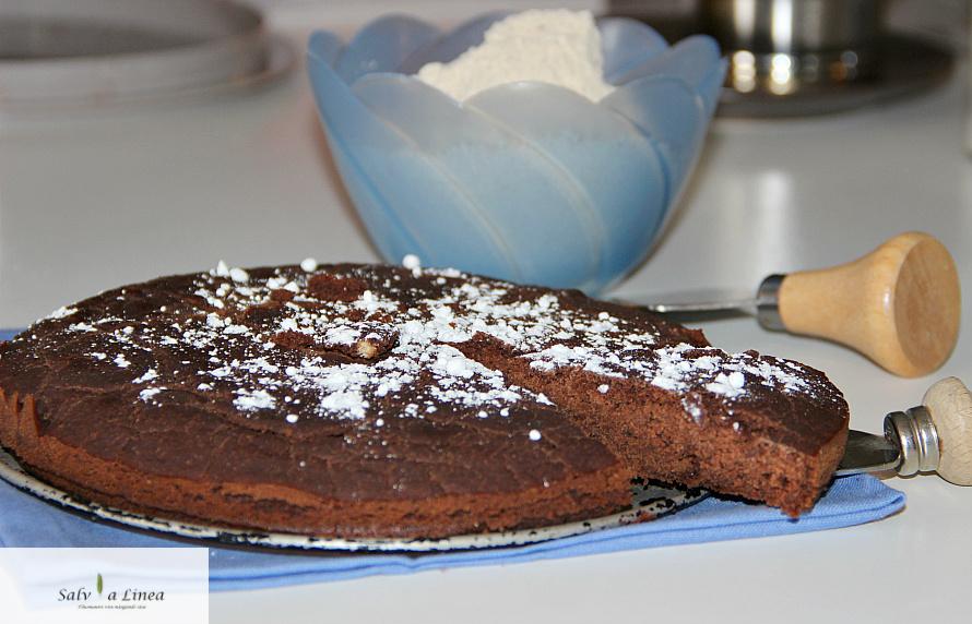 Torta di castagne al cioccolato senza uova (125 calorie a porzione)