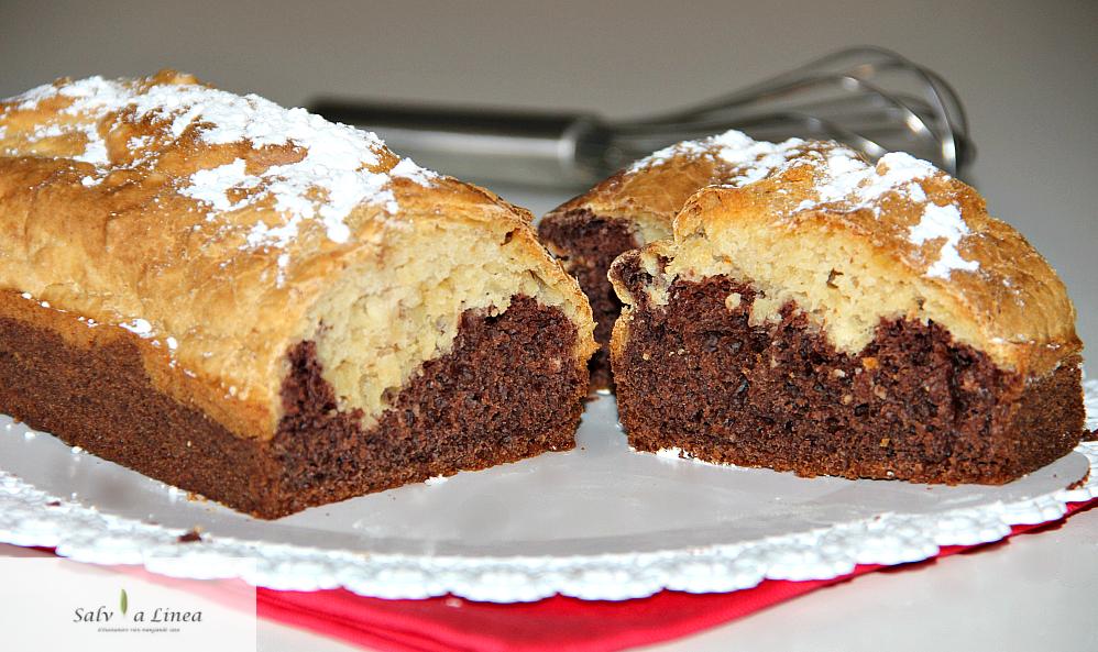 Plum cake bicolore senza burro (141 calorie a porzione)