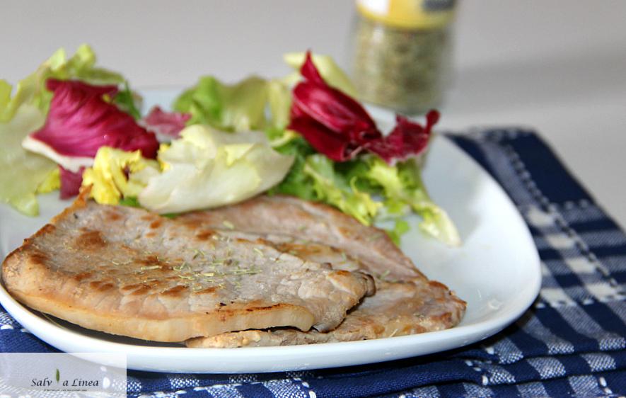 Fettine di maiale al rosmarino (245 calorie a porzione)