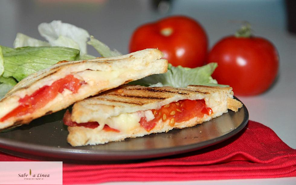 Sandwich caprese (159 calorie a porzione)