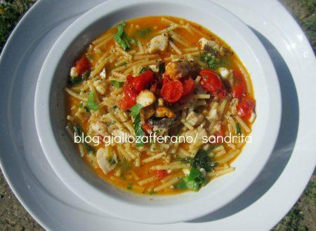zuppa di gallinella di mare – con triglia e briciole  di pastina di Gragnano e basilico