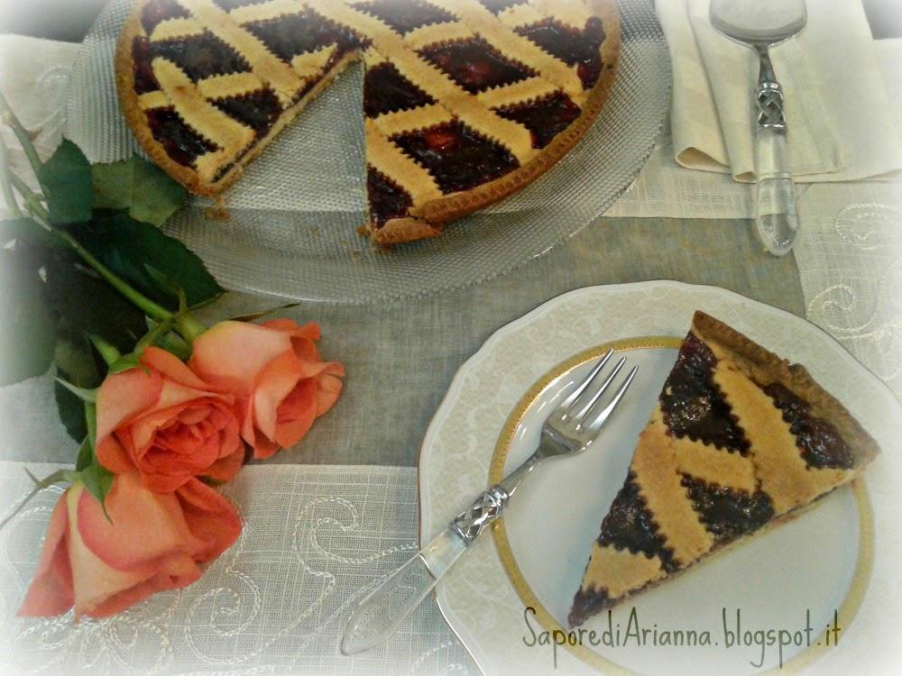 crostata classica con marmellata di fragola