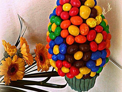 Uovo di Pasqua decorato…Fiori di m&m