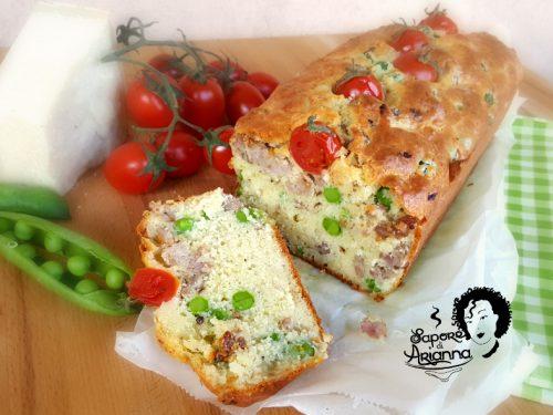Plumcake salato con piselli e salsiccia