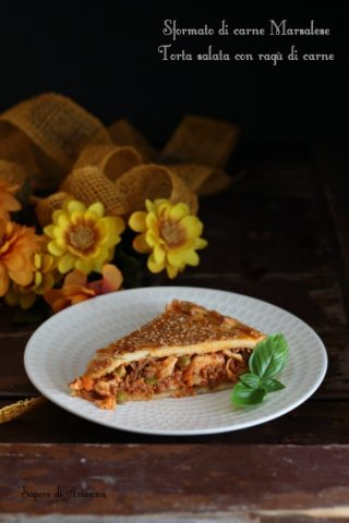 sformato di carne, torta salata con ragù