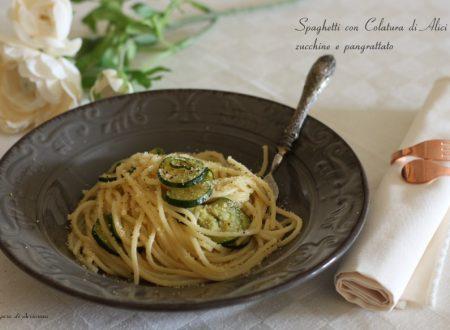 Spaghetti con colatura di alici e zucchine con pangrattato