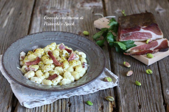 gnocchi con crema di pistacchi e speck