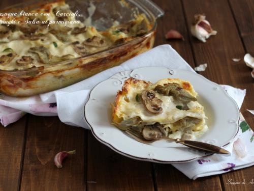 Lasagna bianca con carciofi, funghi e salsa al parmigiano