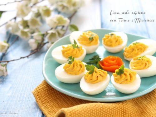 Uova sode ripiene con tonno e maionese