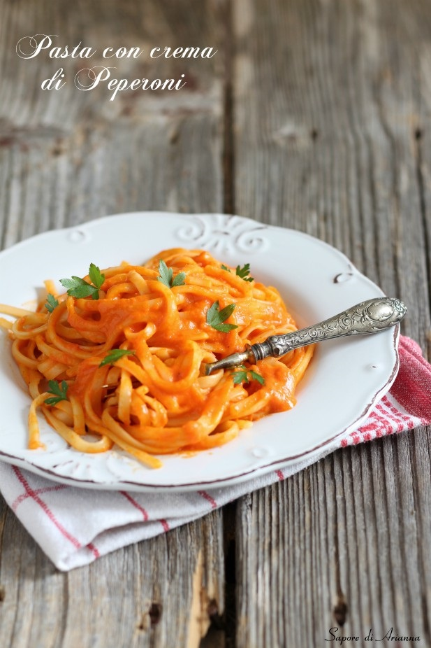 pasta con crema di peperoni senza panna
