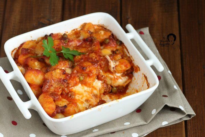 gnocchi con ragù siciliano e mozzarella al forno