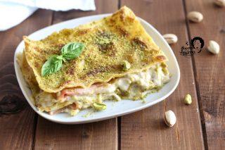 lasagne con pesto di pistacchi e mortadella
