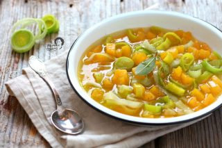 zuppa con porri e zucca leggera