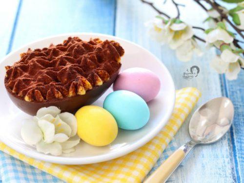 Uova di cioccolato ripiene di Tiramisù