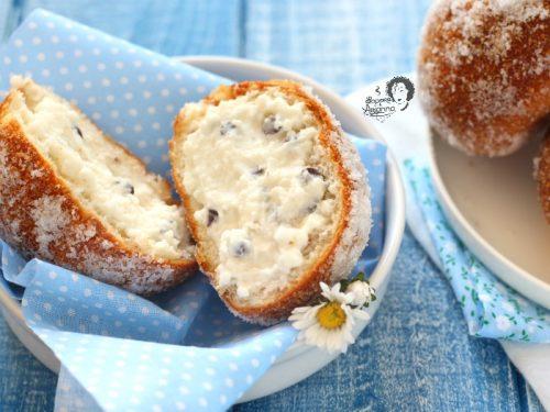 IRIS FRITTE DI RICOTTA con panini al latte pronti