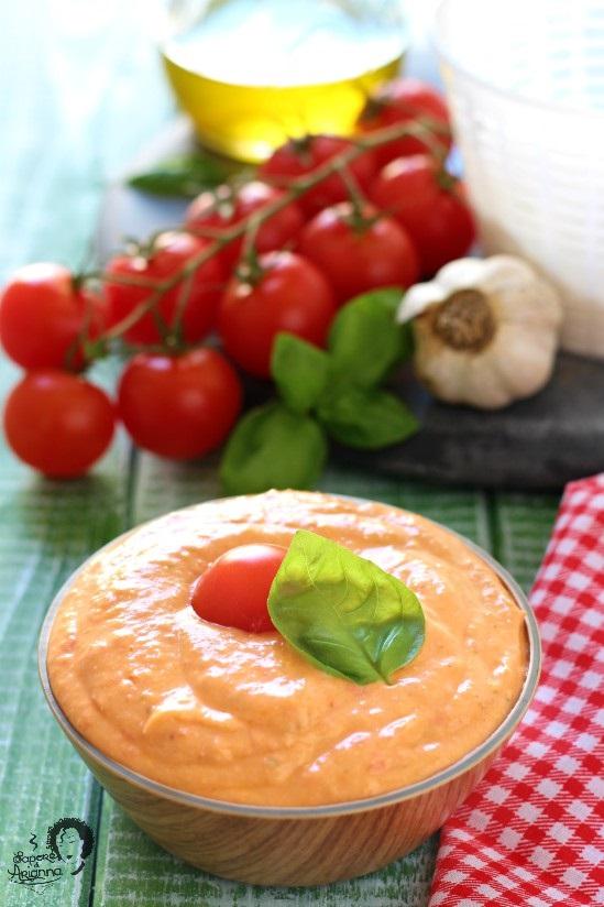 pesto alla siciliana con ricotta e pomodorini freschi