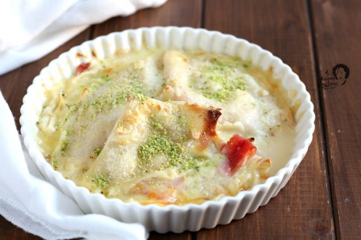 crepes salate con prosciutto cotto e mozzarella