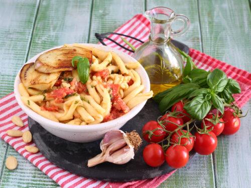 Pasta alla Trapanese ricetta originale con melanzane