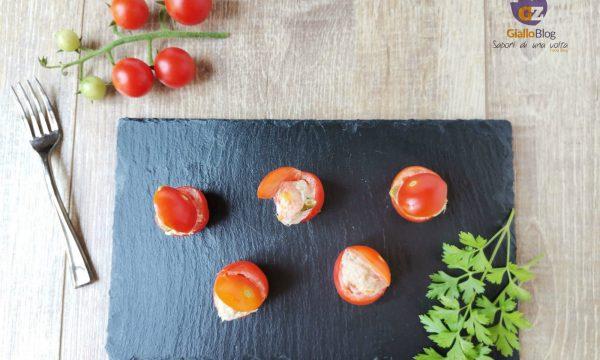 Pomodori ciliegino ripieni