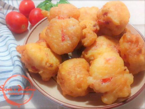 BOMBETTE FRITTE di pomodori e basilico