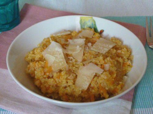 Risotto di quinoa con zucca e carote