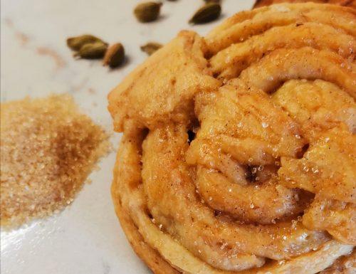 Kardemummabullar (panini dolci al cardamomo)