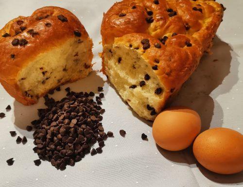 Roselline di pan brioche con gocce di cioccolato