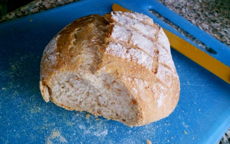 Pane con mix di farine con lievitazione 24 h