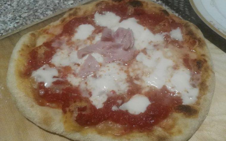 Pizza come in pizzeria con idratazione 70 %