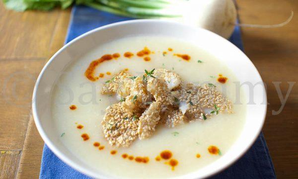 Vellutata di Rapa bianca con filetto di Merluzzo in crosta di Sesamo
