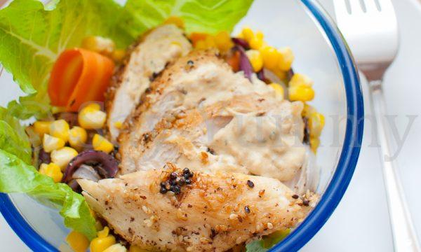 Insalata di pollo speziato alla piastra