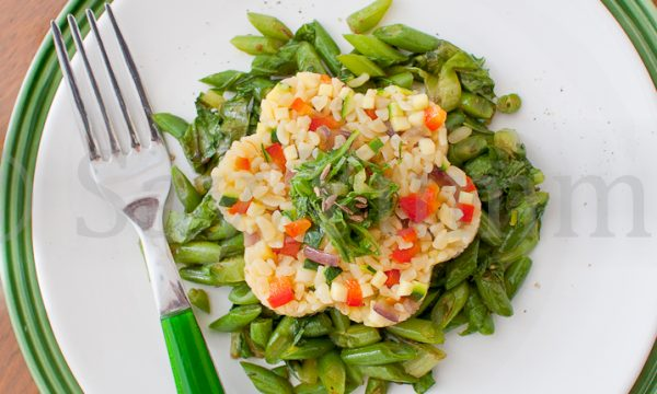 Bulgur con verdure su fagiolini e lattuga