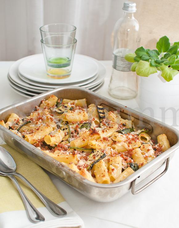 Pasta al forno con zucchine grigliate