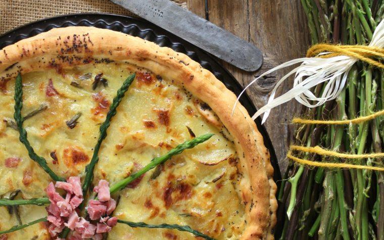 Torta rustica patate asparagi e prosciutto