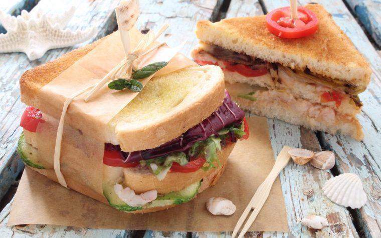 club sandwich con gamberetti