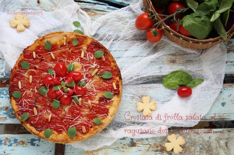 Crostata di frolla salata al Ragusano dop e pomodorini – ricetta estiva e gustosa –