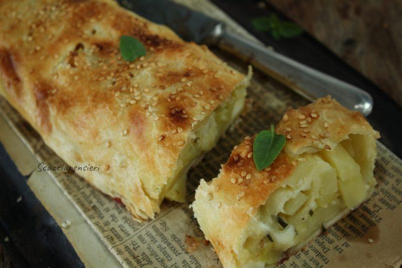 Rotolo salato con patate, cipolla di Giarratana e semi di sesamo…