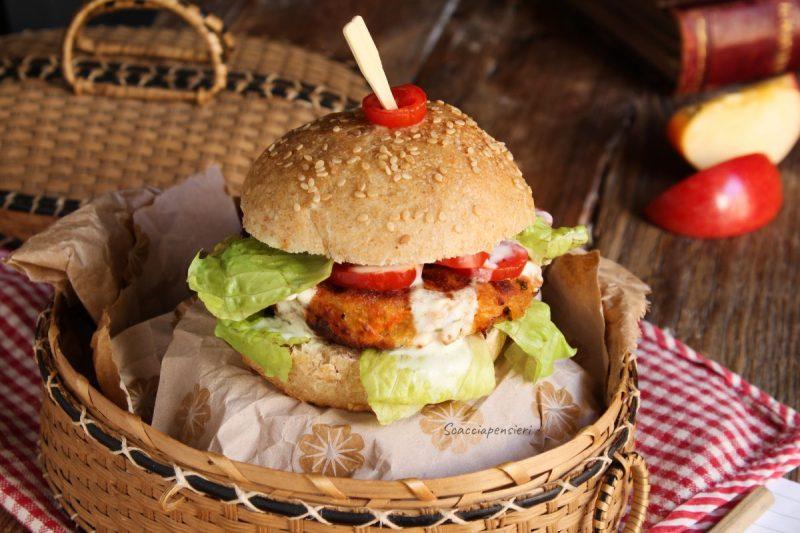 Panini semintegrali al latte con burger di verdure, soffici e gustosi…