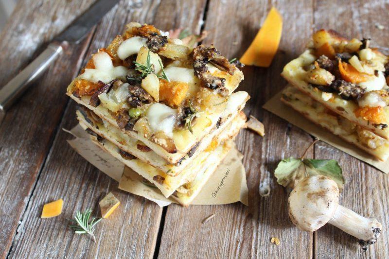 Pizza con funghi, zucca e patate – versione autunnale –