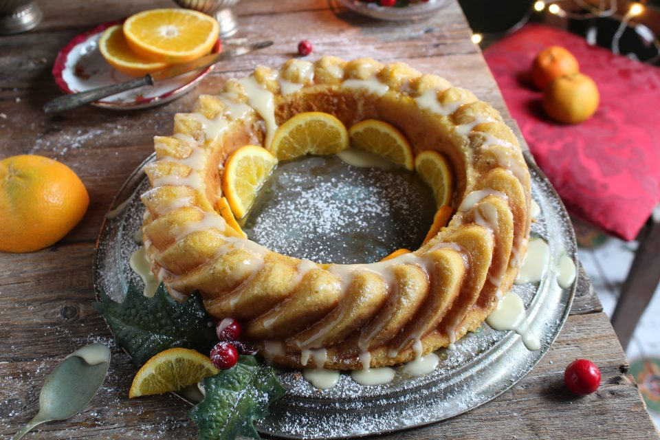 ciambella all'arancia con glassa