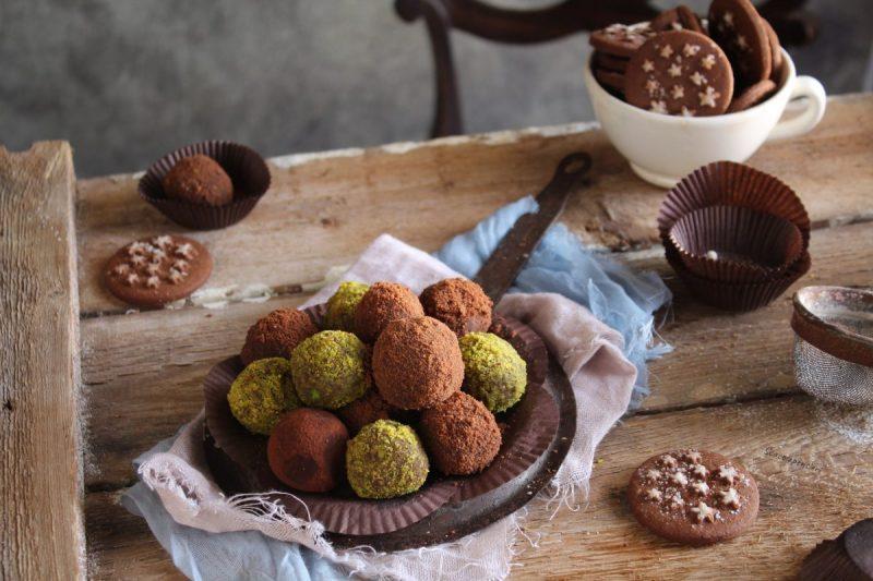 Tartufini di ricotta, pistacchio e cioccolato… senza cottura!