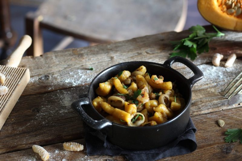 Gnocchi di zucca ai frutti di mare e zafferano, ricetta homemade