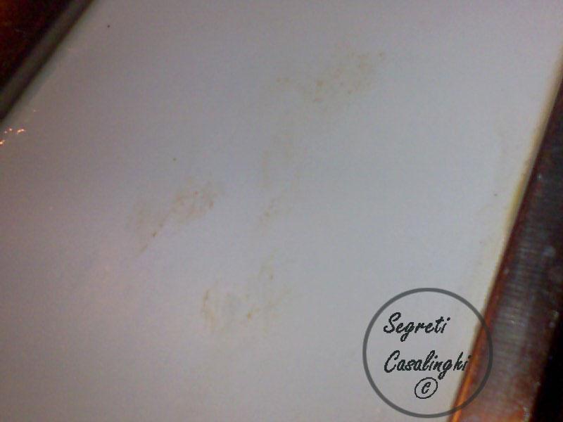 pulire mobili bianchi cucina